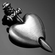 Кулон Меч в сердце